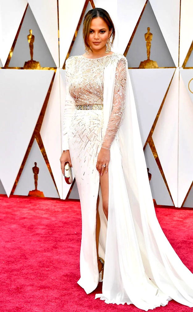 best-rs_634x1024-170226160332-634-academy-awards-oscars-2017-arrivals-chrissy-tiegen