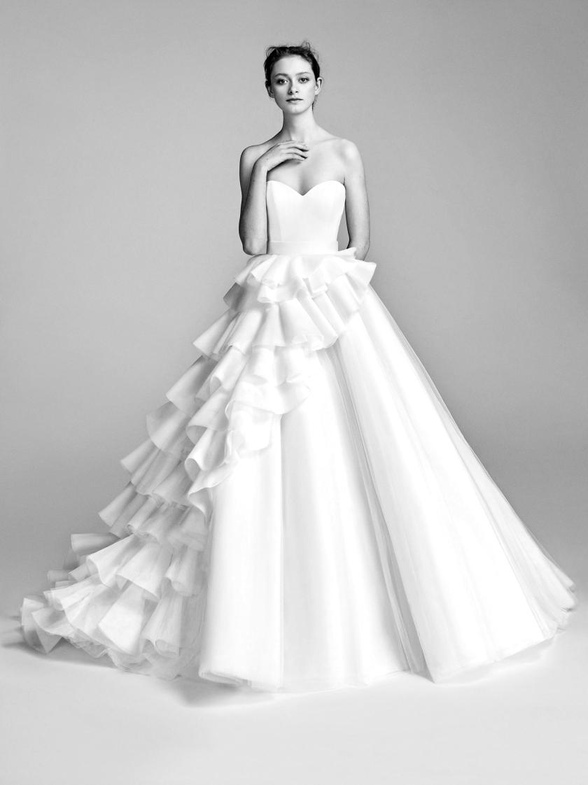 02-viktor-rolf-spring-18-bridal