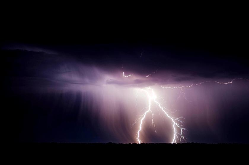 lightning-bolt-768801